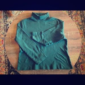 Sweaters - Vintage forest green cotton turtleneck!